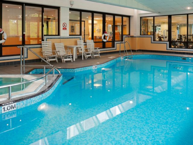 crowne-plaza-stratford-upon-avon-pool.jpg