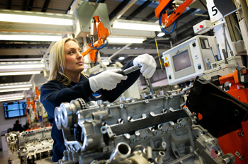 Incorporating the very latest thinking in high quality manufacture and operating within a strict 'no faults forward' culture, the Ricardo engine assembly facility operates in tandem with McLaren Automotive's own Production Centre