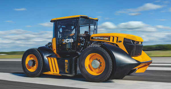 Ricardo congratulates JCB on new British tractor speed record